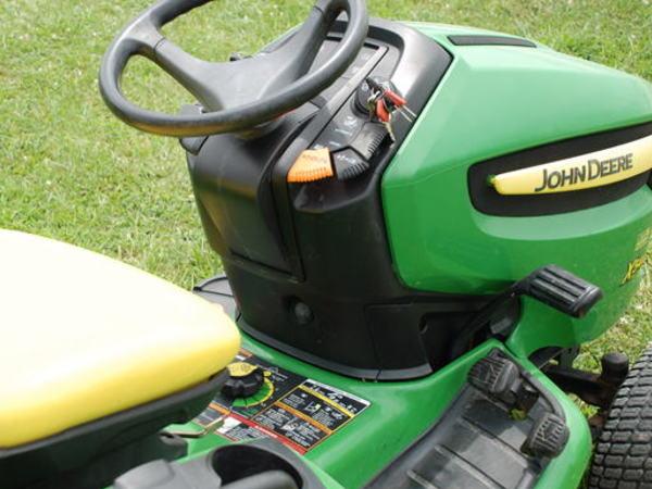 2008 John Deere X540 Lawn and Garden