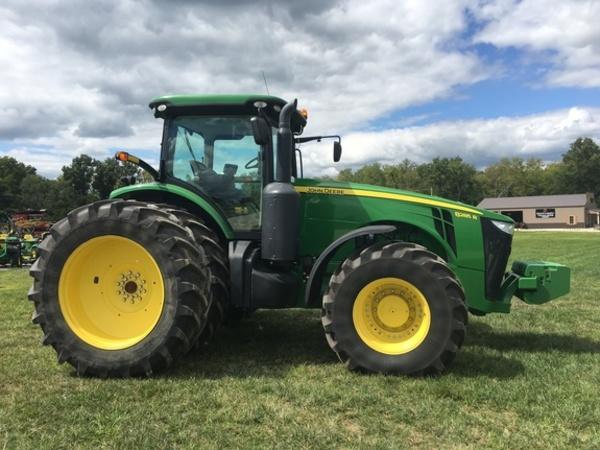 2011 John Deere 8285R Tractor