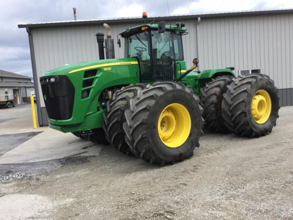 2010 John Deere 9530 Tractor