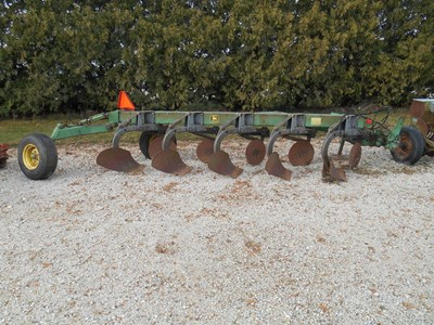 John Deere 2600 Plow