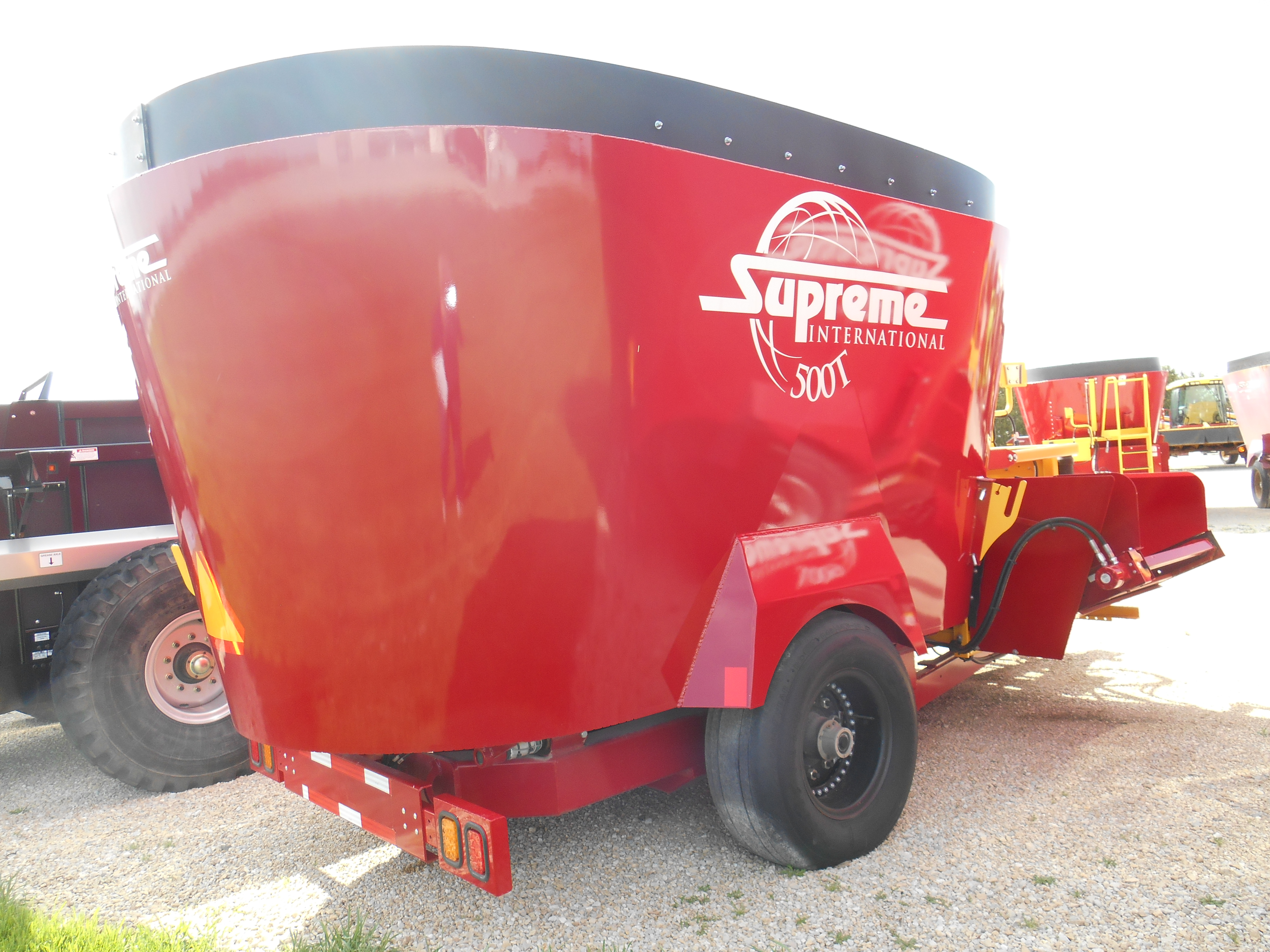 2016 Supreme International 500T Grinders and Mixer