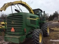2006 John Deere 7400 Self-Propelled Forage Harvester
