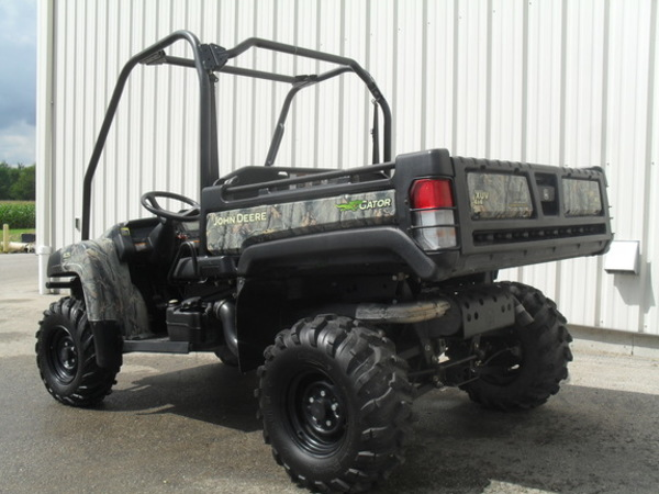 2011 John Deere Gator XUV 825I ATVs and Utility Vehicle