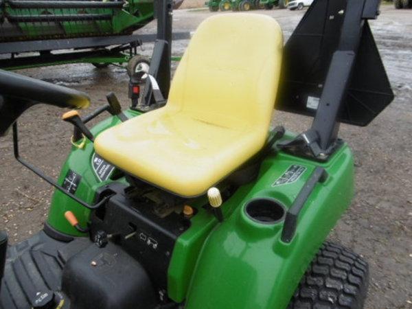 2007 John Deere 2305 Tractor