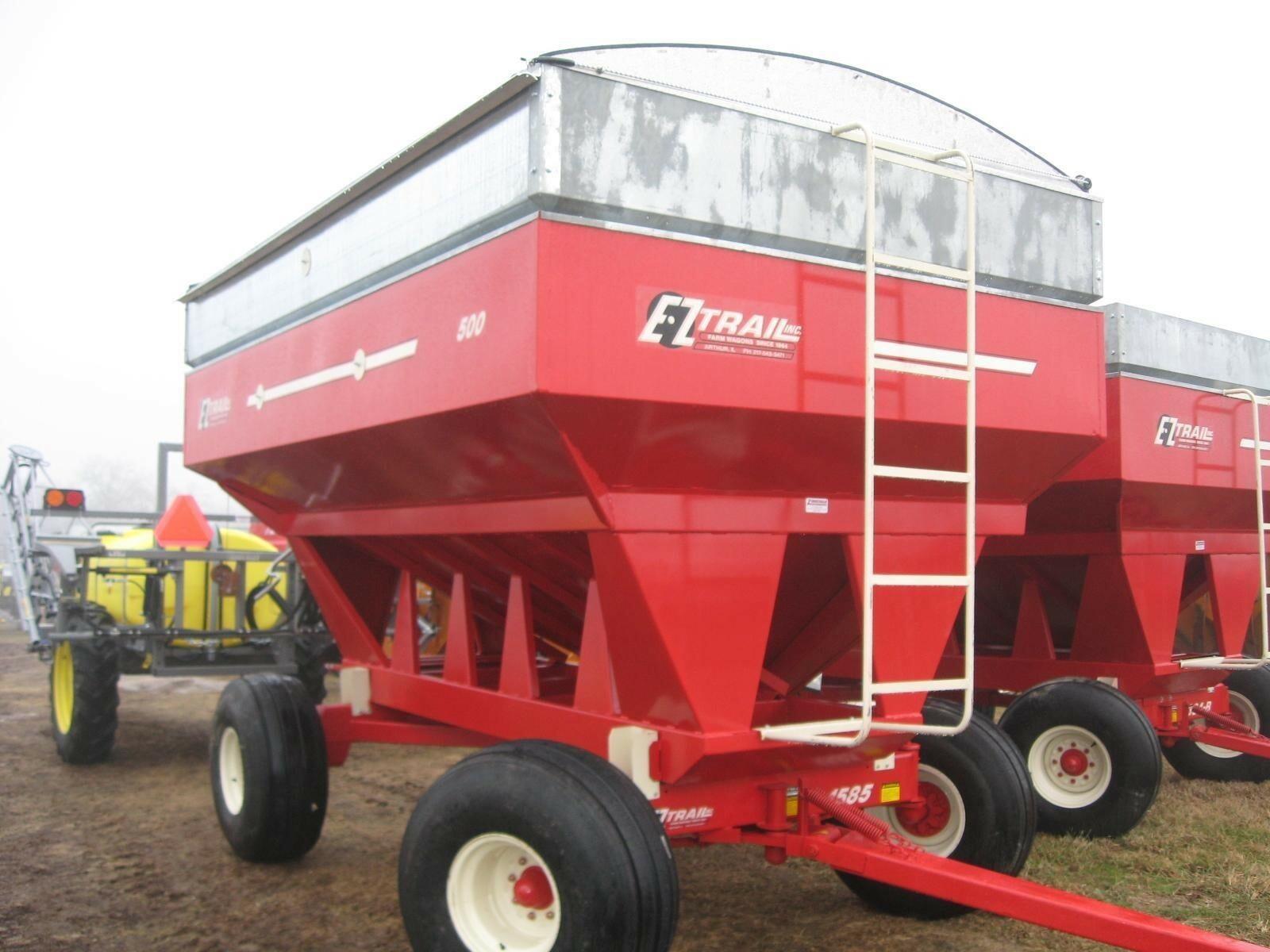 2020 E-Z Trail 500 Gravity Wagon