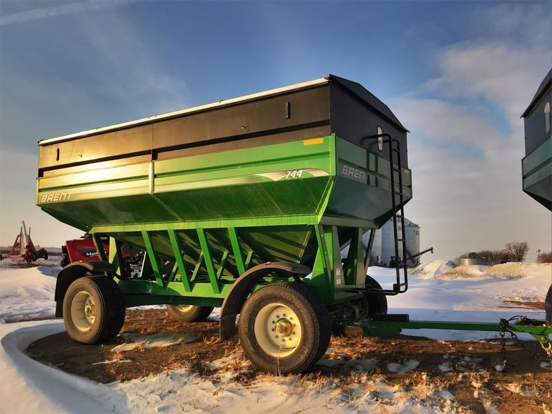 2011 Brent 744 Gravity Wagon