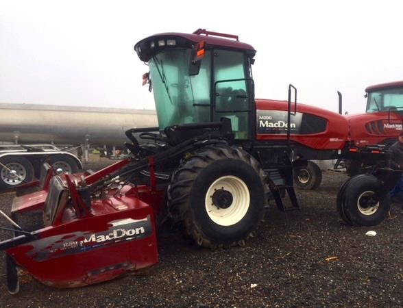2008 MacDon M200 Self-Propelled Windrowers and Swather