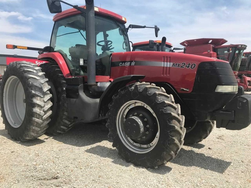 2001 Case IH MX240 Tractor