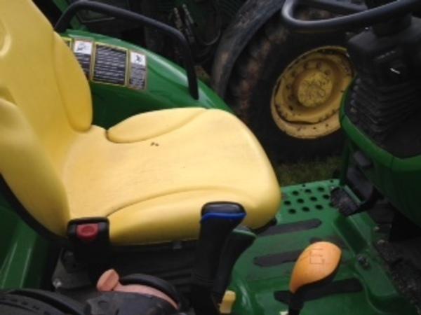 2014 John Deere 5085M Tractor