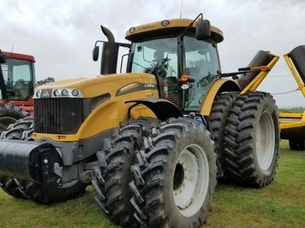 2014 Caterpillar MT685D Tractor
