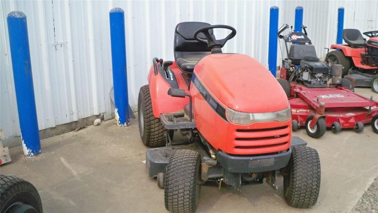 2007 AGCO Allis 2020LC Lawn and Garden