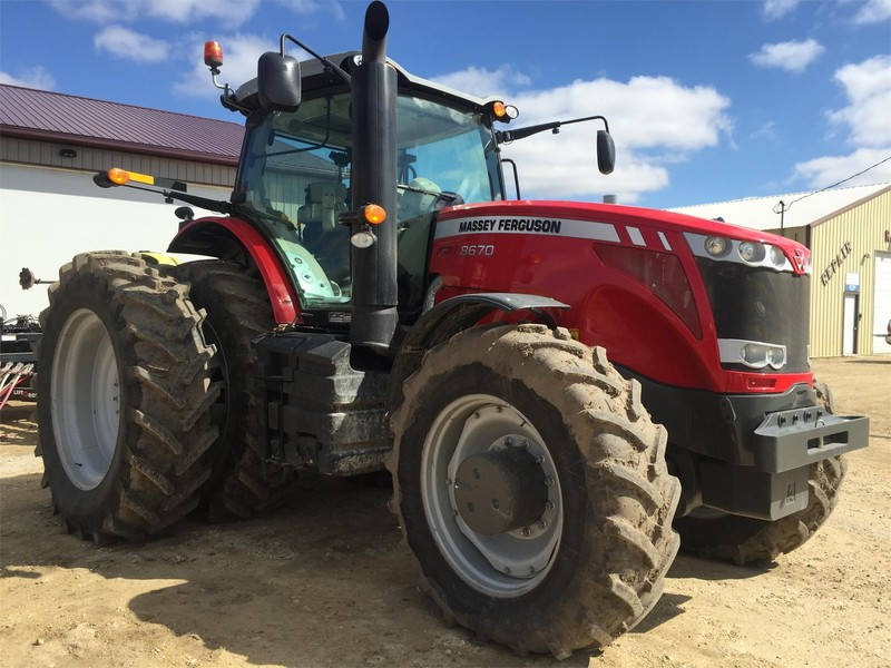 2013 Massey Ferguson 8670 Tractor