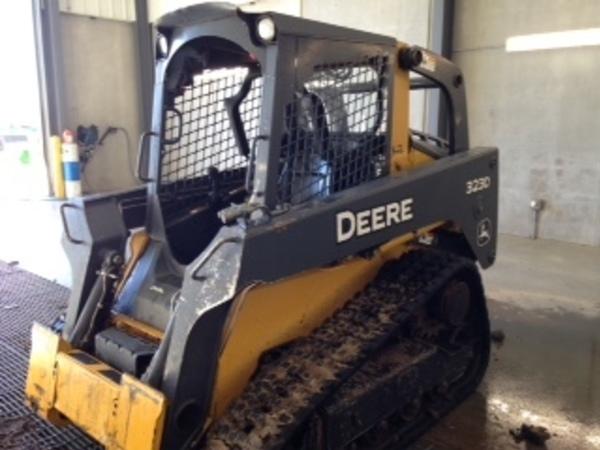2011 Deere 323D Skid Steer