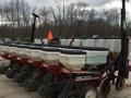 1998 White 6106 Planter