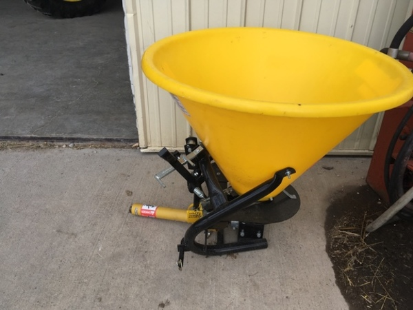 2016 Frontier SS2036B Pull-Type Fertilizer Spreader