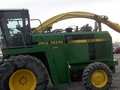 1993 John Deere 6910 Self-Propelled Forage Harvester