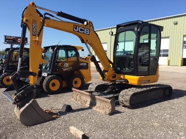 2015 JCB 8040 ZTS Backhoe