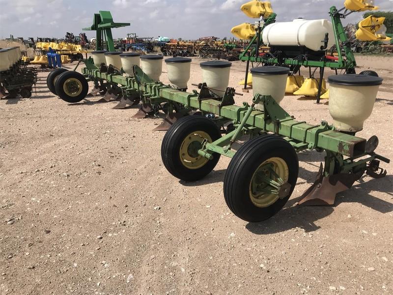 John Deere 60 Planter