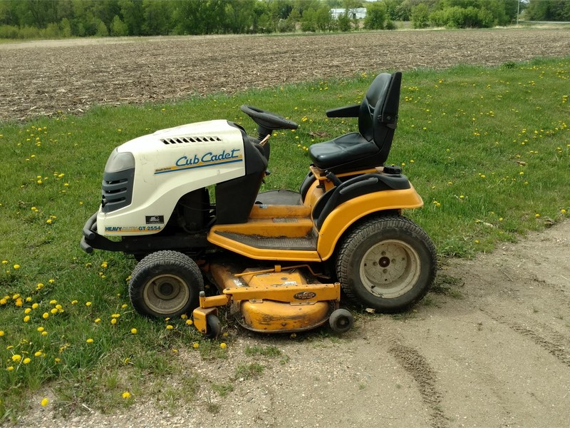 2006 Cub Cadet GT2554 Lawn and Garden