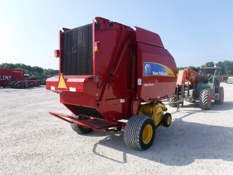 2012 New Holland BR7070 Round Baler