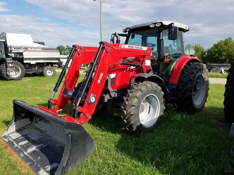 2015 Massey Ferguson 5613 Tractor