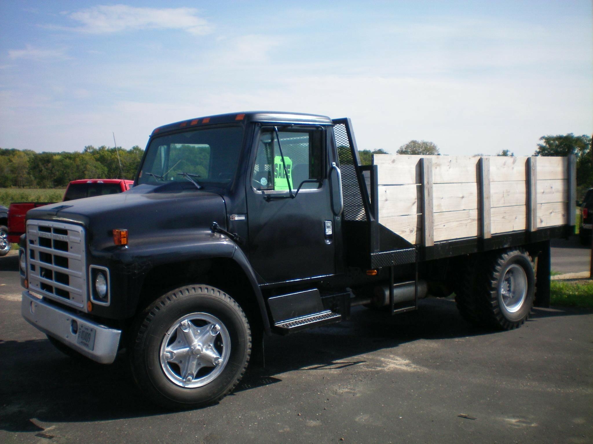 1983 International S1700 Semi Truck