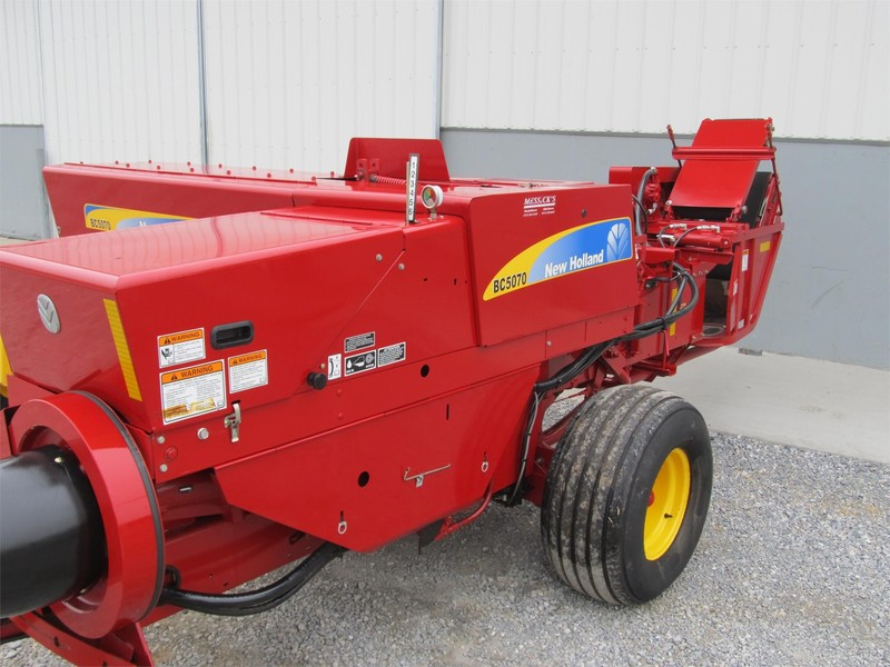 2010 New Holland BC5070 Small Square Baler