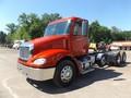 2009 Freightliner Columbia 112 Semi Truck