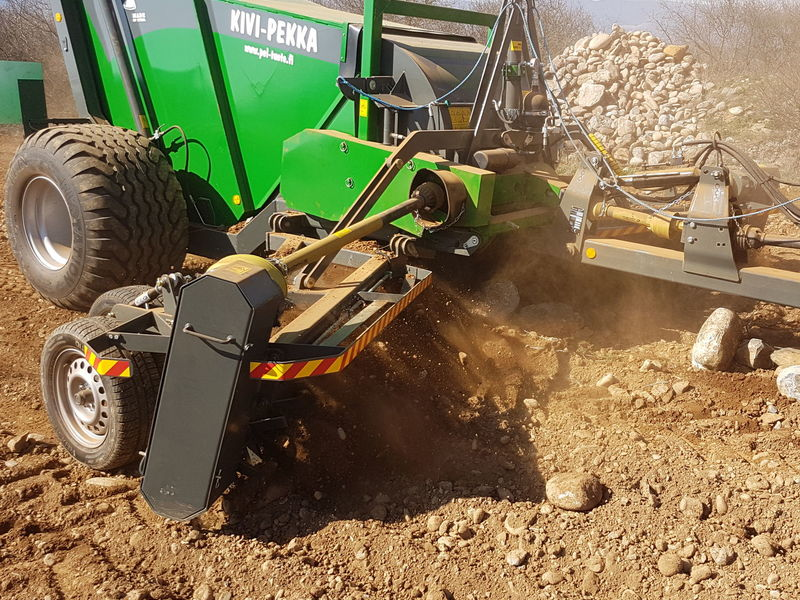 2017 Kivi-Pekka 4 Rock Picker