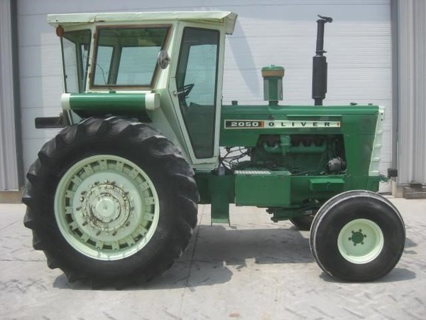 Oliver 2050 Tractor