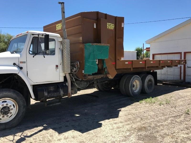 1988 International S1900 Semi Truck