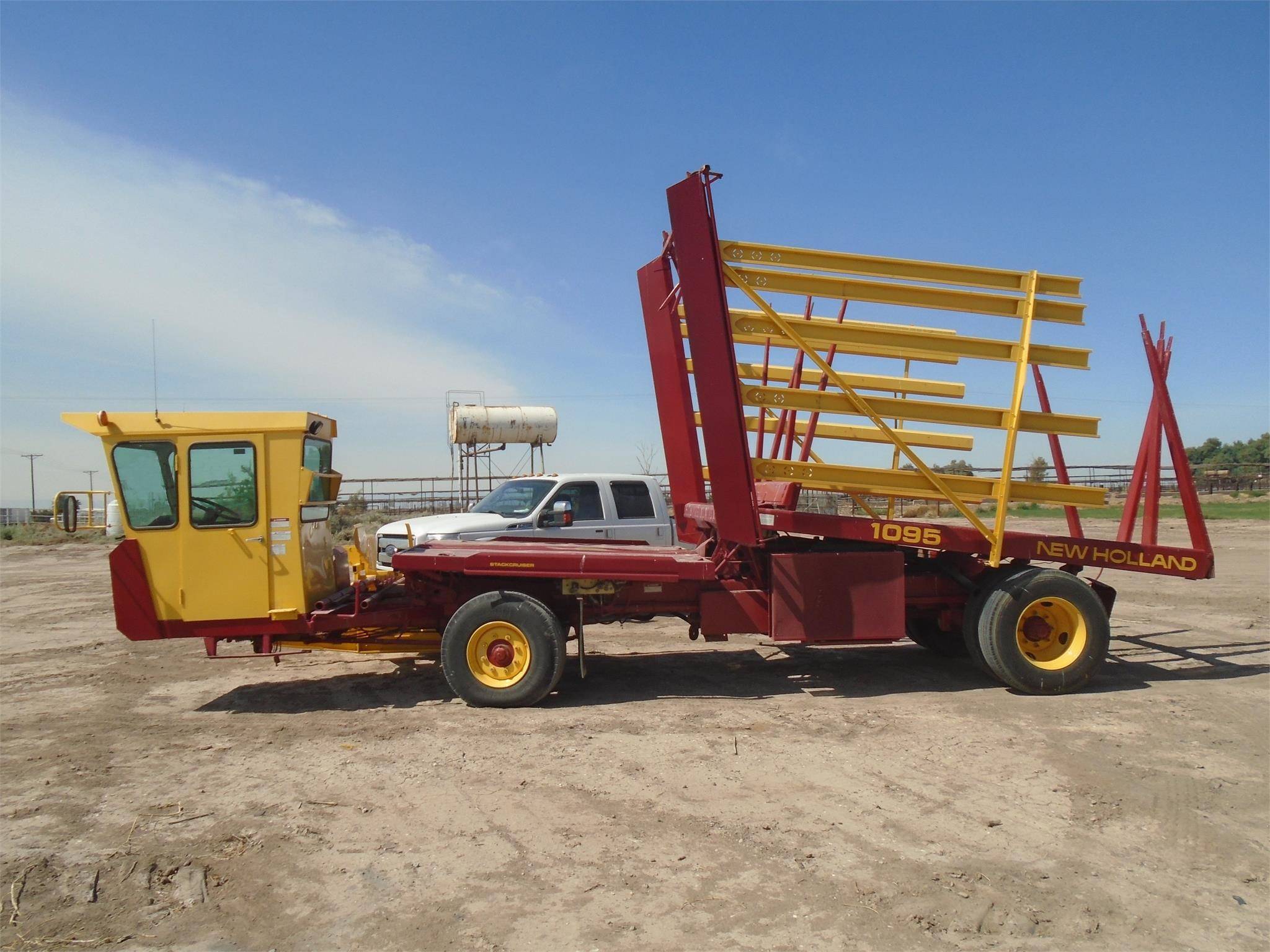 New Holland 1095 Bale Wagons And