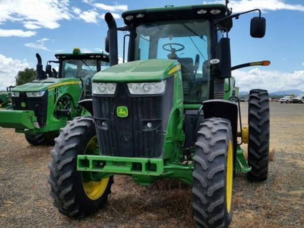 2012 John Deere 7260R Tractor