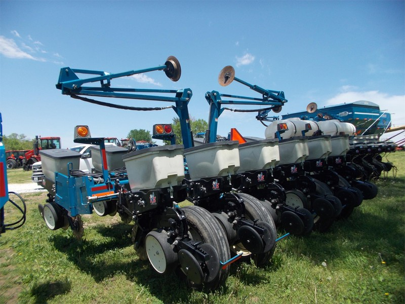 Used Kinze 3200 Planters For Sale Machinery Pete