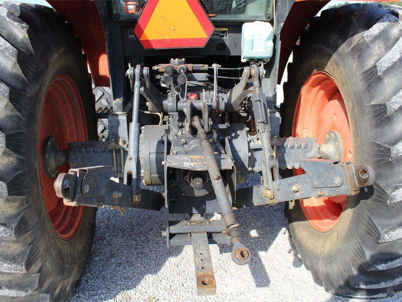2005 Kubota M105S Tractor