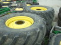 2002 John Deere 800/70R38 Wheels / Tires / Track