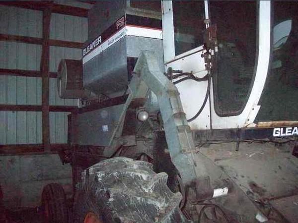 1978 Gleaner F2 Combine