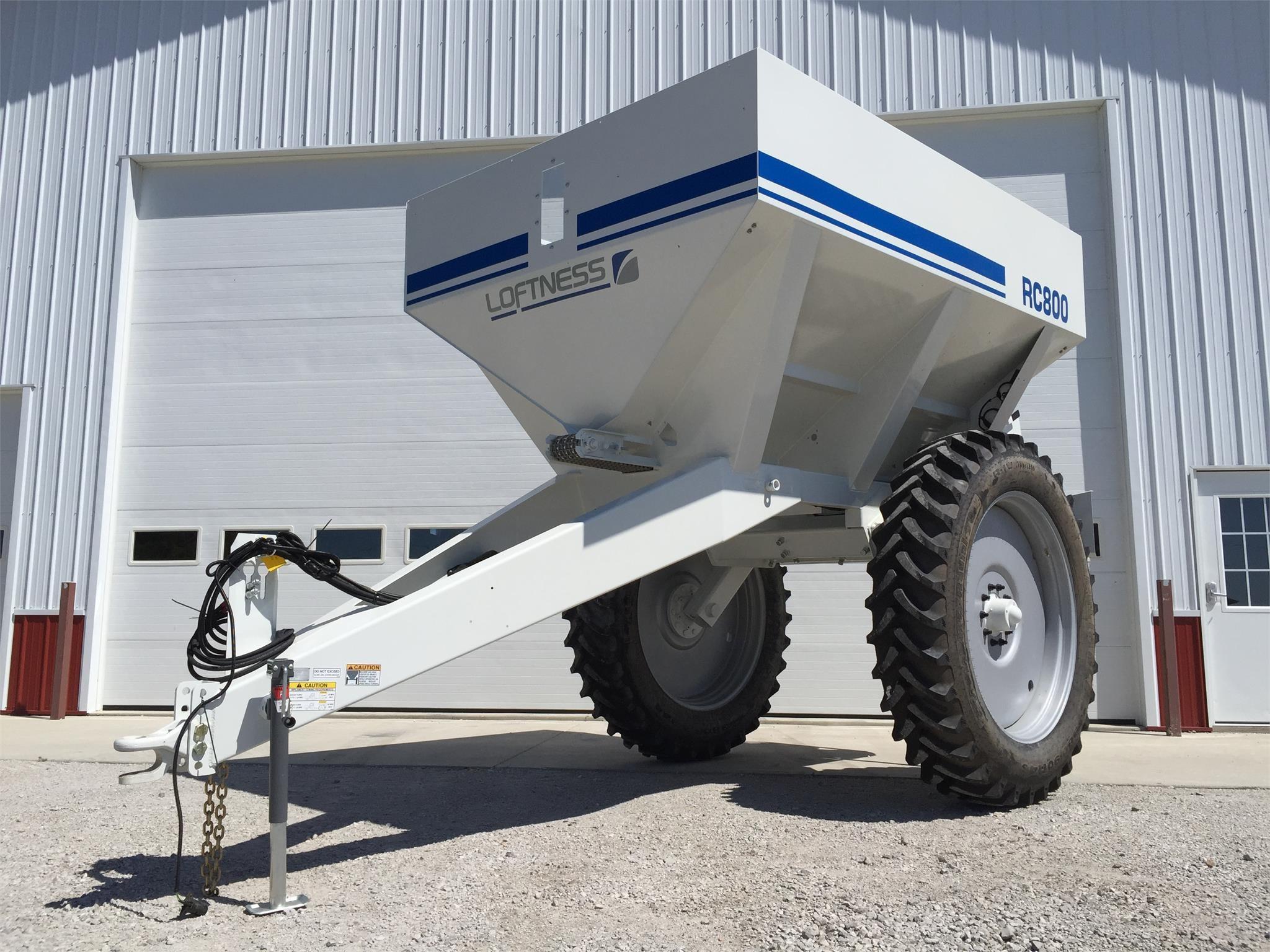 2019 Loftness RC800 Pull-Type Fertilizer Spreader