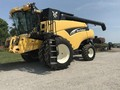 2004 New Holland CR970 Combine