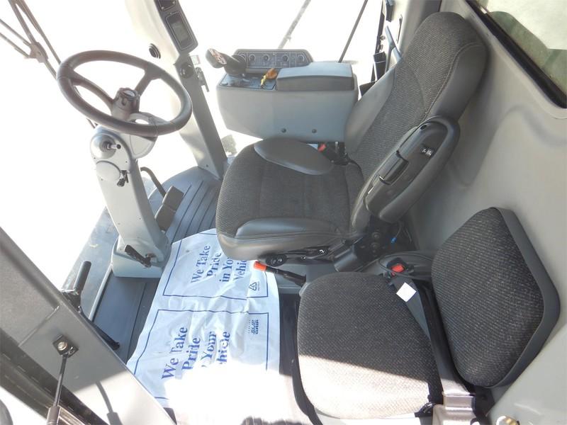 2013 Gleaner S67 Combine