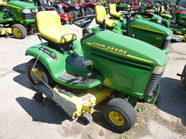1999 John Deere Lx279 Lawn And Garden