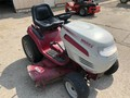 2000 White Outdoor GT2550H Lawn and Garden