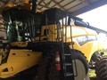 2014 New Holland CR7090 Combine