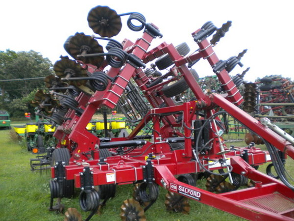 2014 Salford Independent I-2100 Vertical Tillage