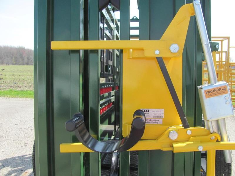 Arrowquip Q-CATCH HEAD HOLDER Cattle Equipment