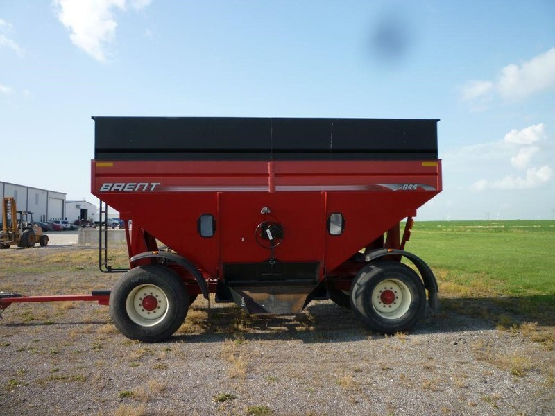 2008 Brent 644 Grain Cart