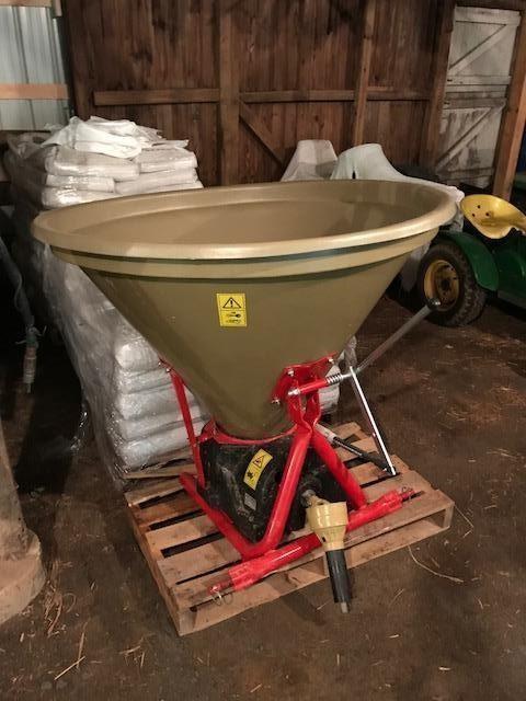 2018 BMC AMP300 Pull-Type Fertilizer Spreader