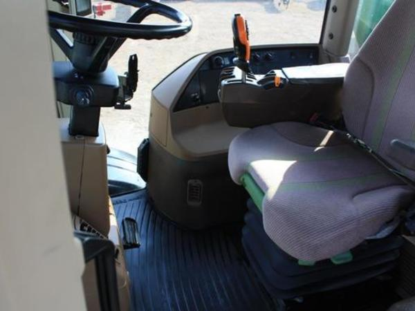2011 John Deere 4940 Self-Propelled Sprayer