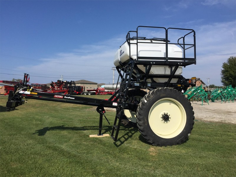 2019 Valmar ST6 Pull-Type Fertilizer Spreader