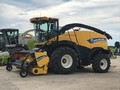 2014 New Holland FR500 Self-Propelled Forage Harvester